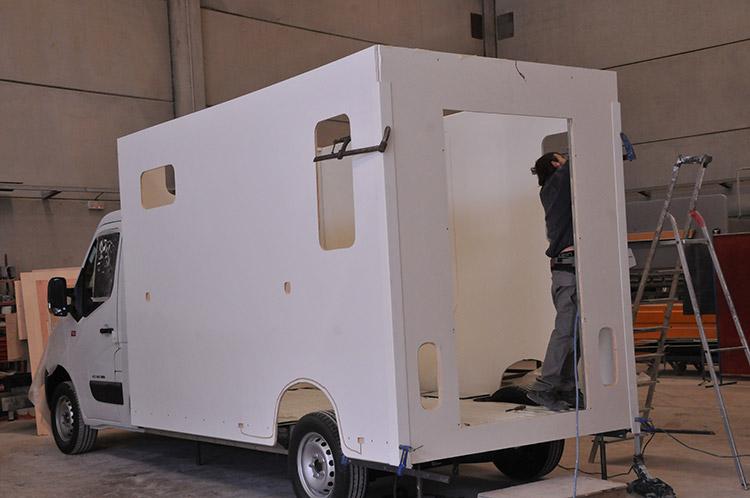 La solution pour transporter vos chevaux se trouve sur carrosserie-ameline.com.